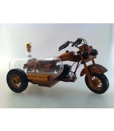 Holzmotorrad mit Seitenwagen