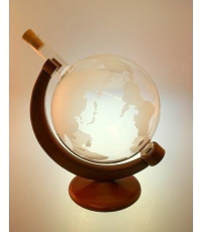 Weltkugeln mit drehbarem Holz-Ständer