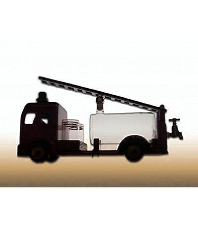 Feuerwehrauto mit Glastank und Leiter