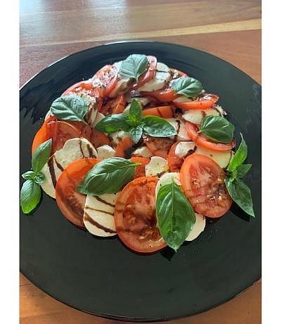 Tomaten-Mozarella Salat